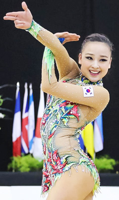 The Chosun Ilbo (English Edition): Daily News from Korea - Son Yeon-jae Breaks Title Drought in All-Around at World Cup